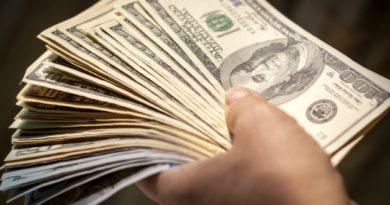 Rusiya dollara ilk zərbəsini vurdu