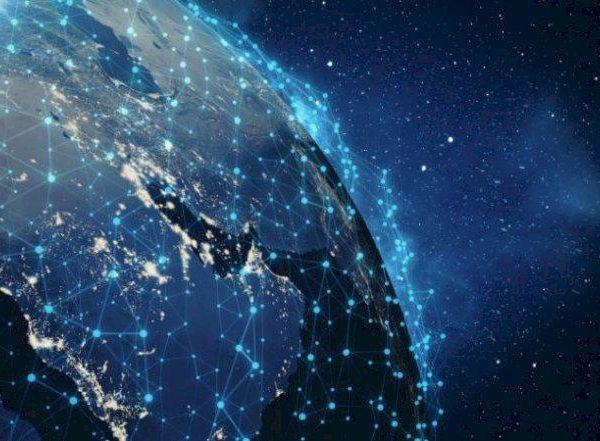 İlon Mask okeanları belə internetlə təmin edəcək